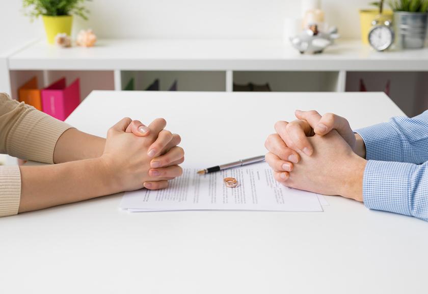 Покупка квартиры и брак: Когда жениться выгодно?